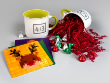 4x3 mugs displayed with Hersey Kisses and pixel thank you cards